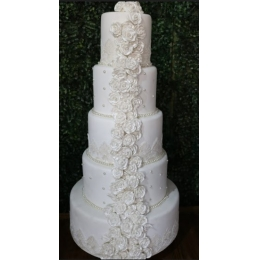 BOLO BISCUIT CASAMENTO 5 AND